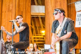 Trace Cyrus and Mason Musso (Metro Station)