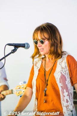 Lisa Kacos (Trumpet, Keys)