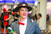 Mary Poppins cosplayer